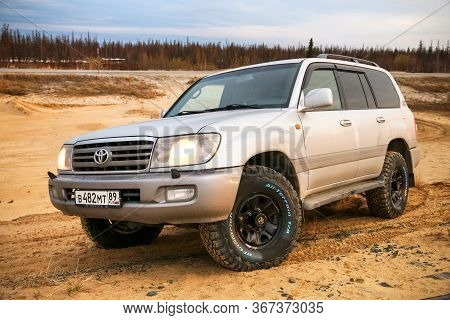 Novyy Urengoy, Russia - May 18, 2020: Offroad Car Toyota Land Cruiser 100 At The Countryside.