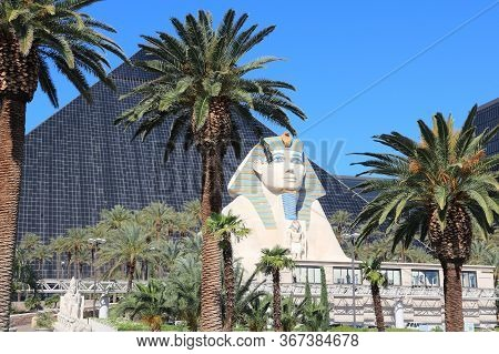 Las Vegas, Usa - April 14, 2014: Luxor Resort View In Las Vegas. It Is One Of 10 Largest Hotels In T