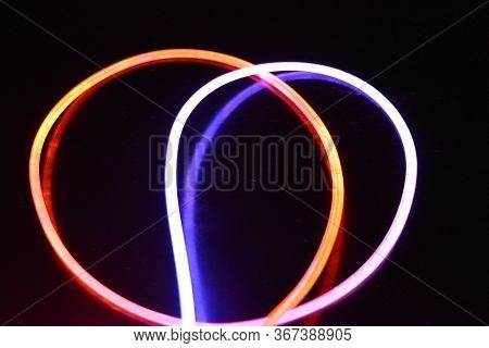 A Wire With Orange And Blue Light, A Light Guide Wire With Different Light Transmission, Light Spect