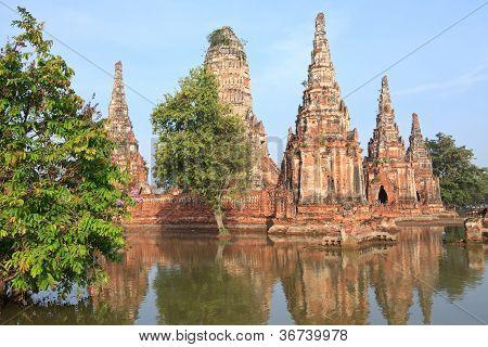 Ãœberschwemmungen Chai Watthanaram Tempel in Ayutthaya.