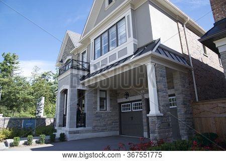 Kleinburg, Ontario / Canada - 08/31/2019:  Photo Images Of Exteriors Of Architecture - New Home Hous
