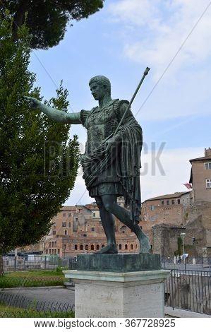 Rome, Italy - September 11, 2016 : Bronze Statue Of Roman Emperor Augustus Caesar On Via Dei Fori Im