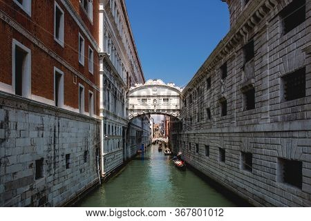 The Enclosed Bridge Of Sighs Over Rio Di Palazzo Which Connects The New Prison And The Dodge\'s Pala