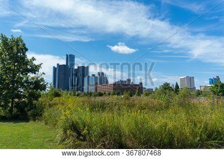 Detroit, Mi - September 7, 2019: View Of Detroit City Skyline In Late Summer From The Riverwalk Park