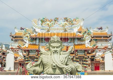 Chonburi, Th - 5 April 2020 : Giant Guan Yu Statue, Kwnao Fighter In The History Of China, Statue Of