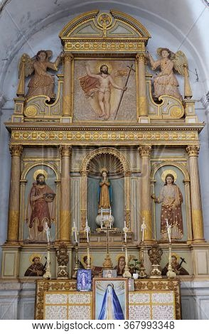 OLD GOA, INDIA - FEBRUARY 18, 2020: Altar in the Se Cathedral dedicated to Catherine of Alexandria, Old Goa, Goa, India