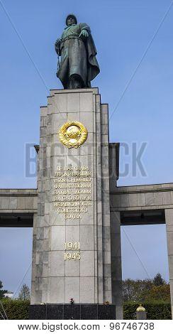 Monument Of Soviet Soldiers, Tiergarten, Berlin, Germany