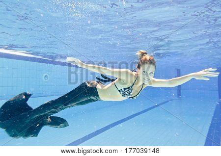 Pool Mermaid
