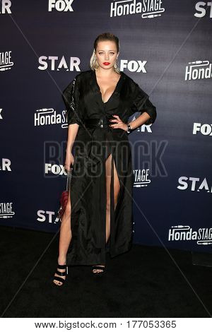 LOS ANGELES - MAR 14:  Caroline Vreeland at the Honda Stage An Exclusive Evening with STAR at iHeart Theater on March 14, 2017 in Burbank, CA