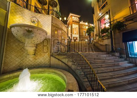 a fountain in Rodeo drive Beverly Hills