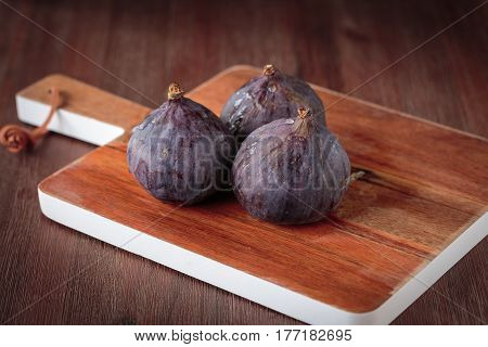 Fresh Dark  Figs