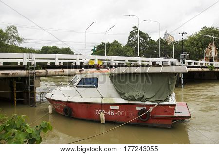 Fireboat Floating Chanthaburi River While Water Fast And Severe Because Flash Flood After Rainy