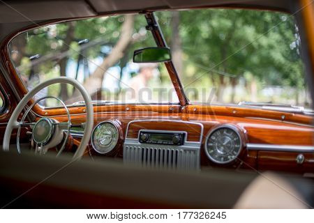 Retro car retro torpedo car vintage steering wheel speedometer