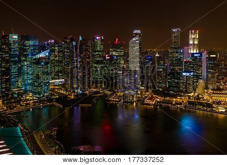 SINGAPORE - APRIL 14: Singapore city skyline and Marina Bay on April 14, 2016 in Singapore.