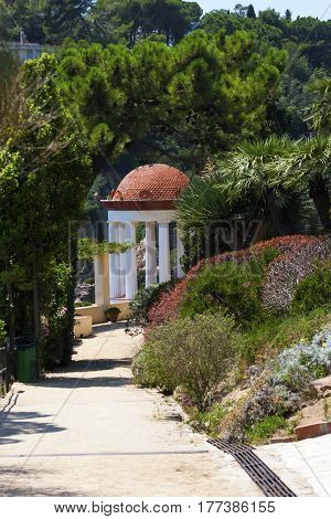 Type of a garden with an arbor in the Mediterranean style