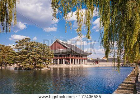 Gyeonghoeru In A Lake At Gyeongbokgung Palace, Seoul, South Korea.