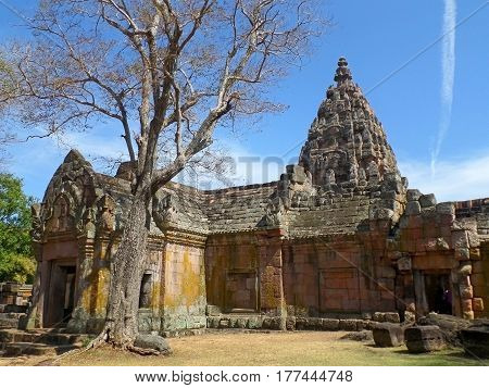 The Impressive Prasat Hin Phanom Rung Ancient Khmer Temple under Vivid Blue Sky, Thailand
