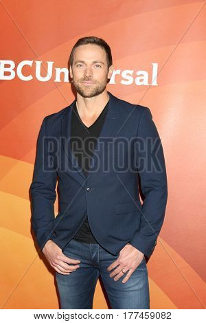 LOS ANGELES - MAR 20:  Dylan Bruce at the NBCUniversal Summer Press Day at Beverly Hilton Hotel on March 20, 2017 in Beverly Hills, CA