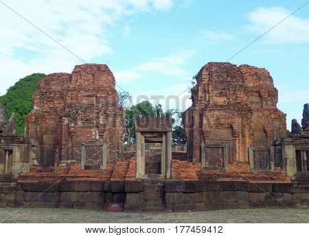 Prasat Hin Muang Tam Shrine Complex, the Well Preserved Khmer Temple in Buriram Province, Thailand