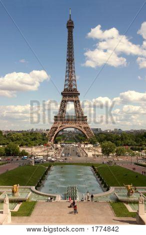 La Tour Eiffel  One