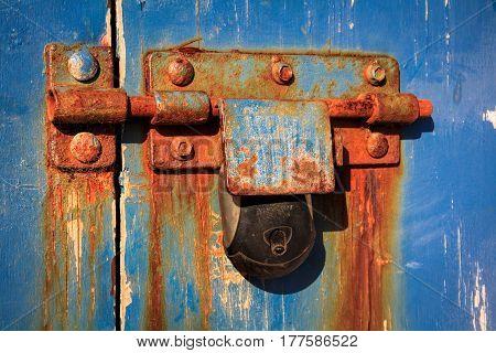 old vintage rust keylock and door image