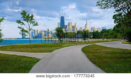 Downtown chicago buildings and skyline from north lake park