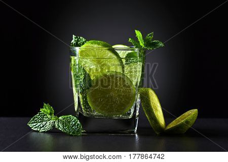 Drink With Lime And Peppermint