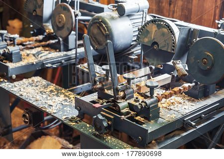Woodworking Machines In Shoes Factory