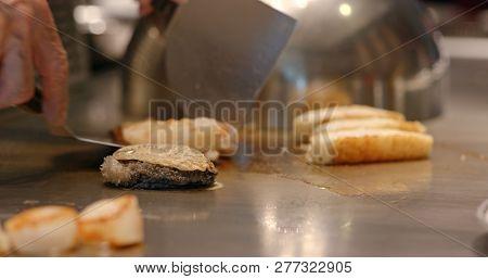 Teppanyaki in restaurant