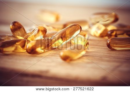 Close Up Vitamin D And Omega 3 Fish Oil Capsules Supplement  For Good Brain , Heart And Health Eatin