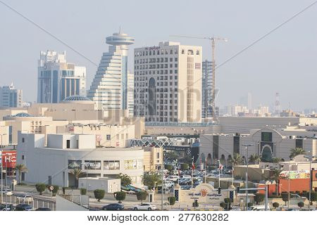 Manama, Bahrain, December 31, 2018: Panoramic View Of The City. Manama Of Bahrain - Seef Mall Parkin