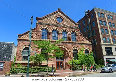 Portland, Me, Usa - Jun 20, 2015: Baxter Building On Congress Street In Old Port District Of Portlan