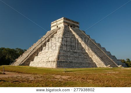 The Most Famous Mexican Pyramid From Mayan Culture