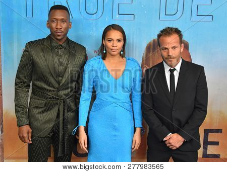 LOS ANGELES - JAN 10:  Mahershala Ali, Carmen Ejogo and Stephen Dorff arrives to HBO's 'True Detective' Season 3 Premiere  on January 10, 2019 in Hollywood, CA