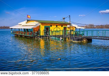 Belgrade / Serbia - February 22, 2020: River Raft Restaurant And Bar On The Danube River In Belgrade