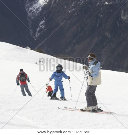 Child Ski Vacation In Alpes