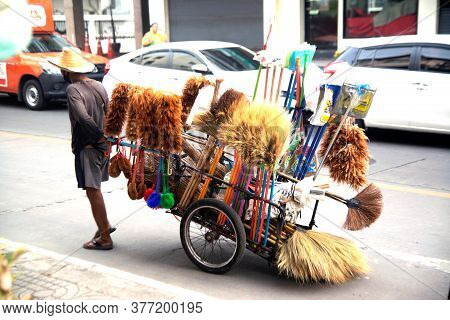 Nakhon Pathom,thailand - June 8 ,2020 : Unidentified Seller Dragged The Rickshaw To Sell Household I