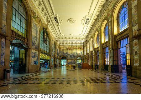 September 26, 2018: Azulejo Panel And Tile-adorned Vestibule In The Sao Bento Railway Station, Porto