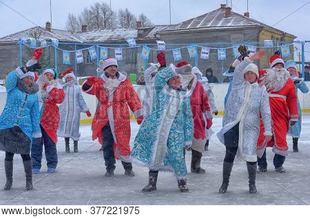 Russia, Chuvashia 14,01,2020 Many Santa Clauses And Snow Maidens Dance Together, A Flash Mob