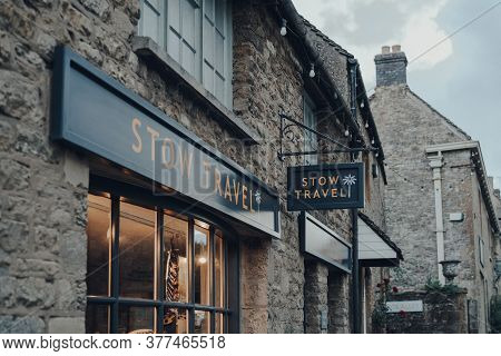Stow-on-the-wold, Uk - July 6, 2020: Sign Outside Stow Travel Agency In Stow-on-the-wold, A Market T