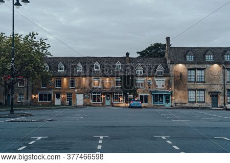 Stow-on-the-wold, Uk - July 6, 2020: Row Of Shops In Stow-on-the-wold, A Market Town In Cotswolds Bu