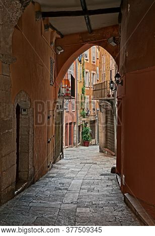 Grasse, Provence-alpes-cote D'azur, France: Ancient Alley In The Old Town Of The Picturesque French