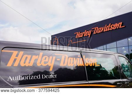 Bordeaux , Aquitaine / France - 07 17 2020 : Harley-davidson Motorcycle Logo And Text Sign On Dealer