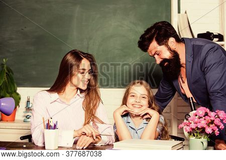 Smart Family. Teaching Daughter. Favorable Conditions For Learning. Good Learning Environment. Learn