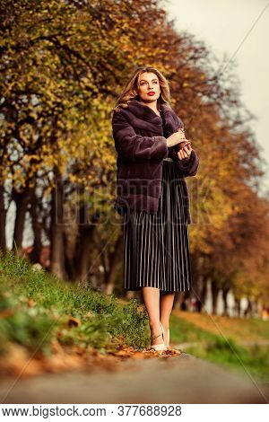 Delicate Pleats. Lady Looking Trendy Walk In Street. Comfortable And Warm. Complement Your Outfit. M