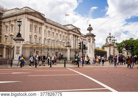 London, Uk - August 8, 2019 -  Buckingham Palace, Home Of The British Queen And State Rooms. Tourist