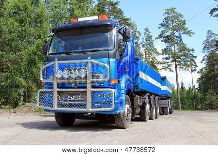 Blue Sisu 18E630 Heavy Duty Truck And Trailer