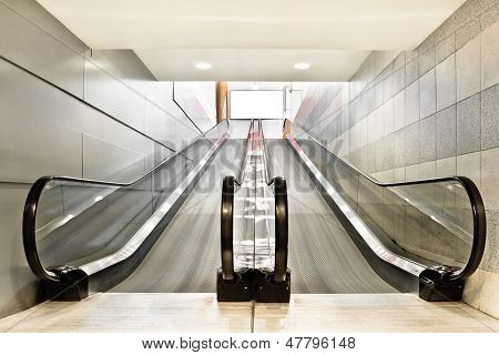 Special Escalator In Modern Mall