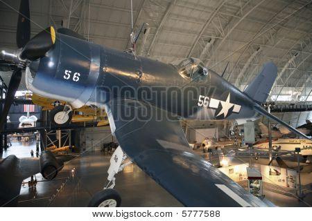Vought F4U - 1D Corsair