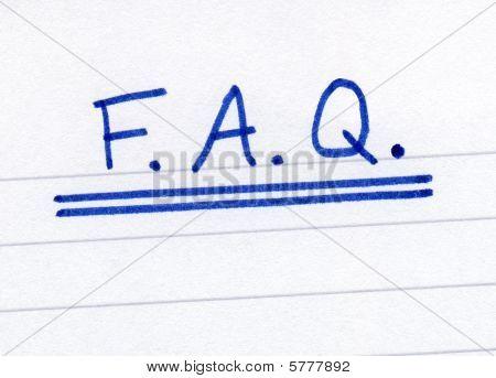 FAQ, perguntas frequentes perguntas abreviatura, escrita em papel branco.